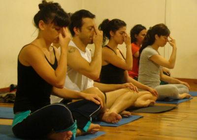 VINICIUS Yoga - Vinicius Maureira